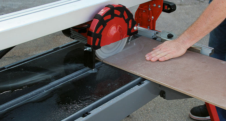 water cooling system of an Einhell tile cutting machine