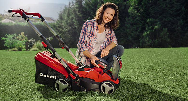 Picture of a Einhell battery lawnmower